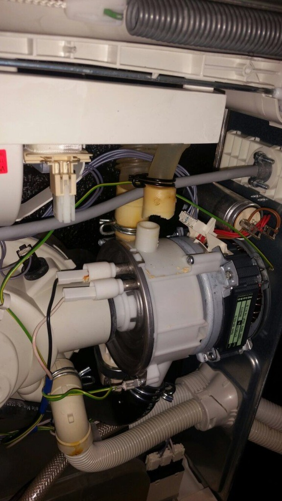 Household Appliance Repairs: Should You Fix or Replace Your Appliance?