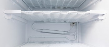 How to safely defrost your freezer
