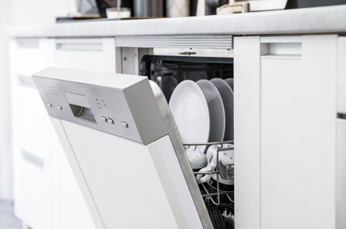 Why the Display on your Maytag Dishwasher is Flashing E2 and F2